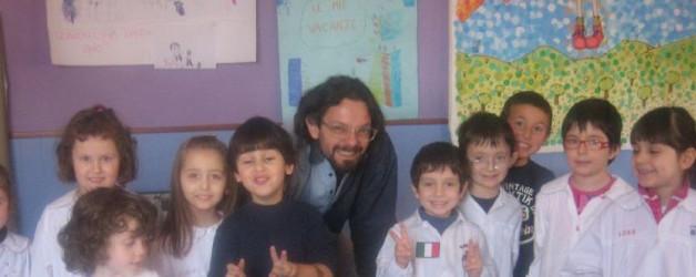 """Festa di fine anno all'asilo di Mussotto con """"Piumetta e la sua amica aria"""""""